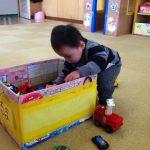 暴れる、騒ぐ子どもの心と対処法